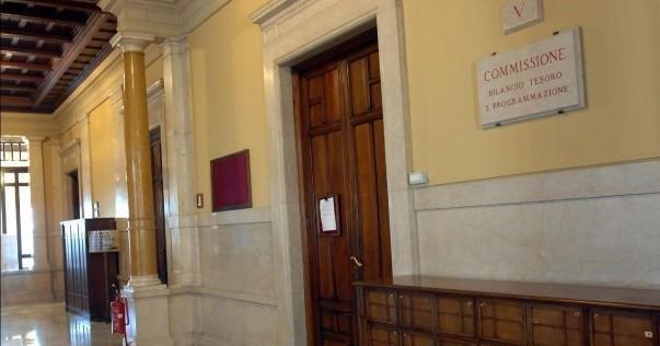 Camera: la lunga notte della stabilità in commissione Bilancio. Sulla Consulta nuova fumata nera