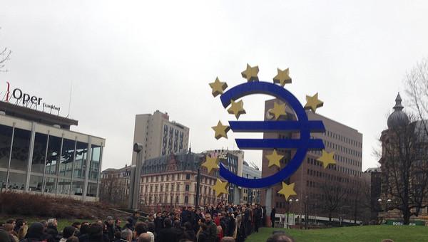 Bce: allontanato rischio deflazione. In Italia torna a crescere la disoccupazione