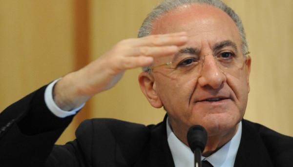 De Luca, tribunale di Napoli accoglie ricorso. Entro il 12 luglio nuova giunta