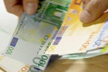 Ocse: inflazione stabile a marzo, 0.6%. Eurostat: in calo il commercio al dettaglio