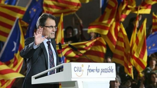 Barcellona: al via campagna per le regionali nel giorno dell'orgoglio catalano. Presidente uscente: plebiscito per la secessione