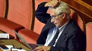 Senato, Corradino Mineo lascia il Pd e passa al gruppo Misto. Zanda: partito non espelle nessuno