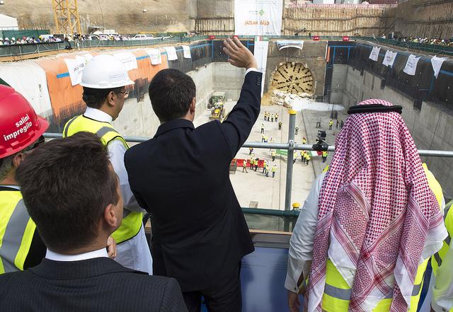 Renzi in Arabia Saudita inaugura stazione metro made in Italy. Domani a Milano per il dopo Expo, attesa per Sala candidato alle primarie Pd