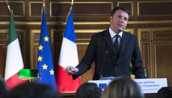 Parigi, Renzi incontra Hollande: insieme contro Isis. Premier parla di accordo globale con Turchia
