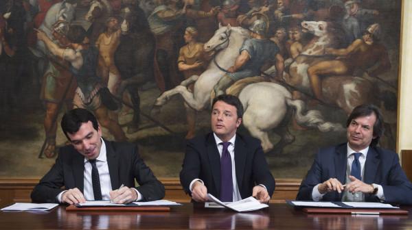 """Accordo Mipaaf-Intesa San Paolo, 6 miliardi di credito per l'agroalimentare. Renzi: """"Settore centrale, cambieremo nome del ministero"""""""