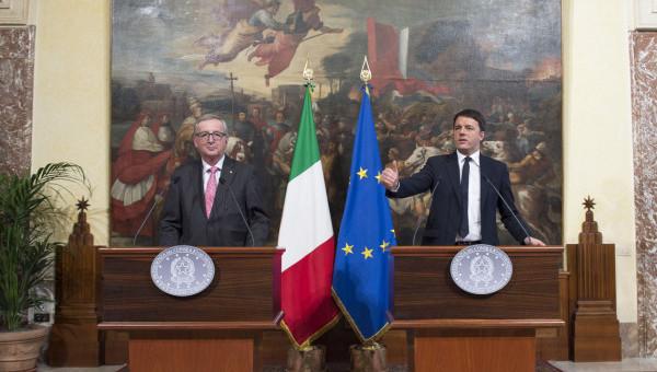 """Vertice Renzi-Juncker a palazzo Chigi, il presidente Ue: """"Italia grande Paese"""". Il premier: """"Il governo è dalla parte delle regole"""""""