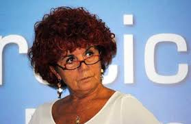 Istruzione, SI-SEL: ministro Fedeli cambi rotta sulle assunzioni nella scuola